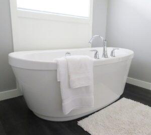 浴槽の水位線の汚れと黄ばみの取り方